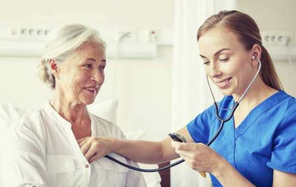 CNA Online Course vs. Traditional CNA Course. Which Is Better?